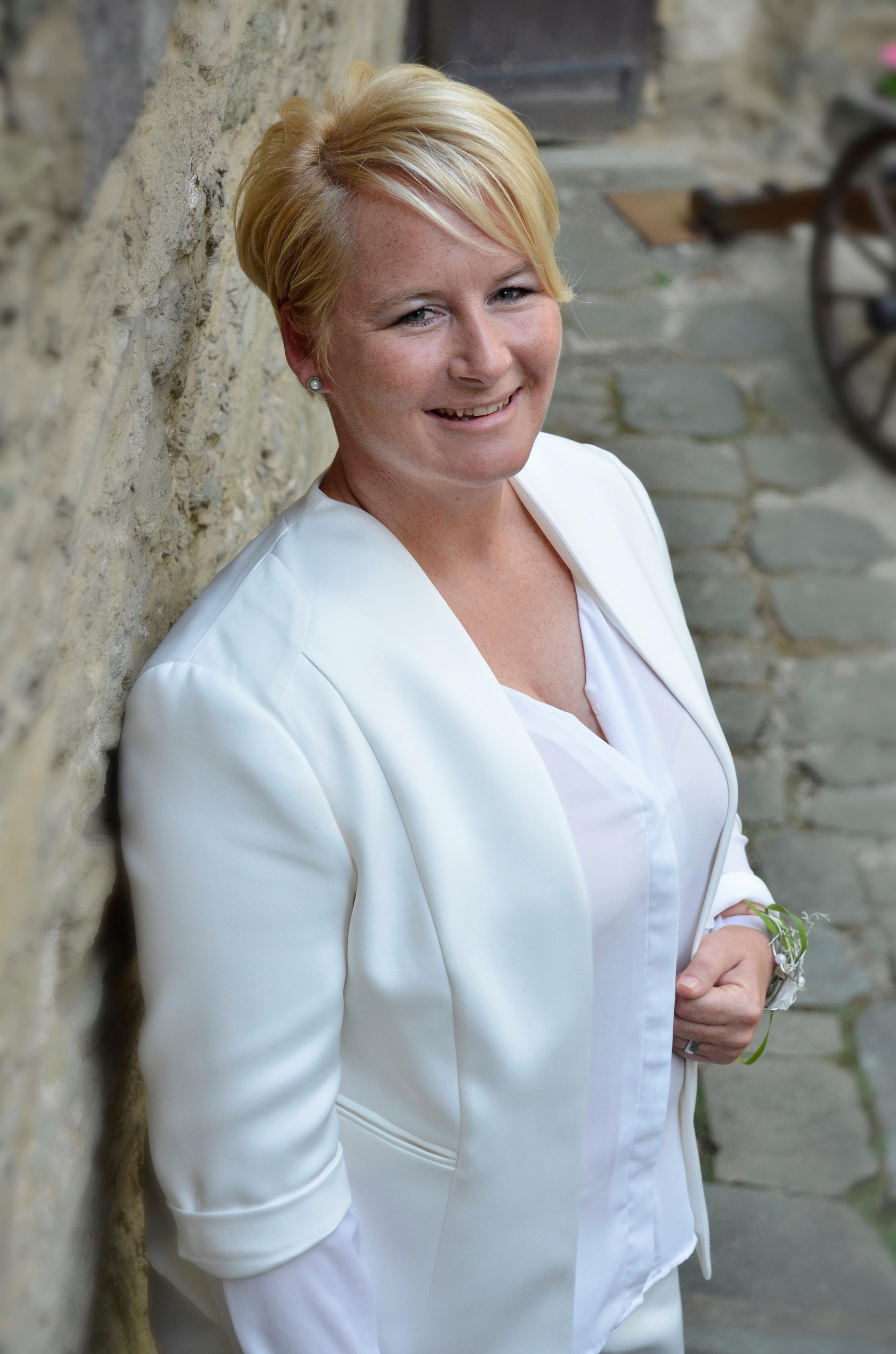 Brautanzug Helen Bender